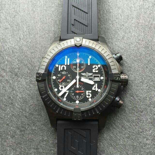 Black Dial on Breitling Dial