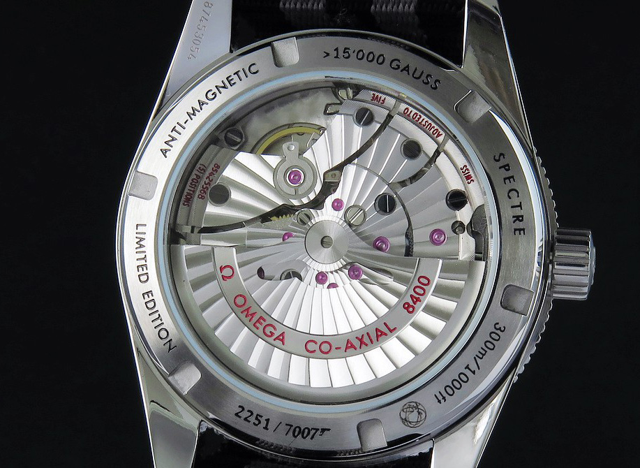 Crystal Caseback to View Movement