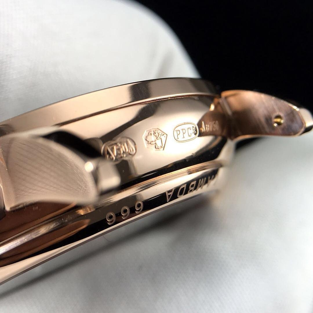 Engravings on Rose Gold Case of Nomos