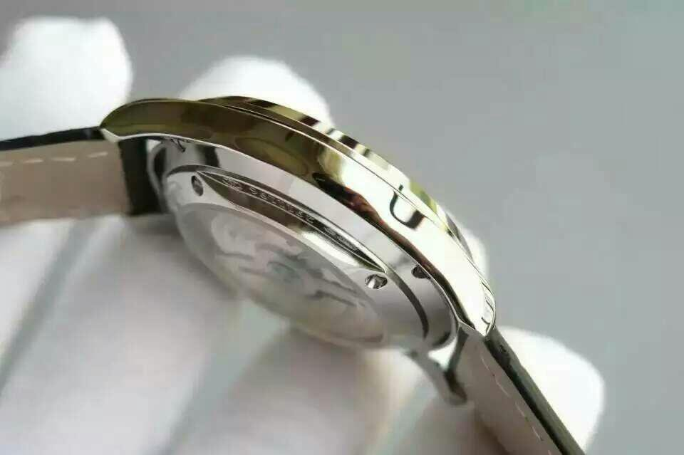Jaeger LeCoultre Case Side