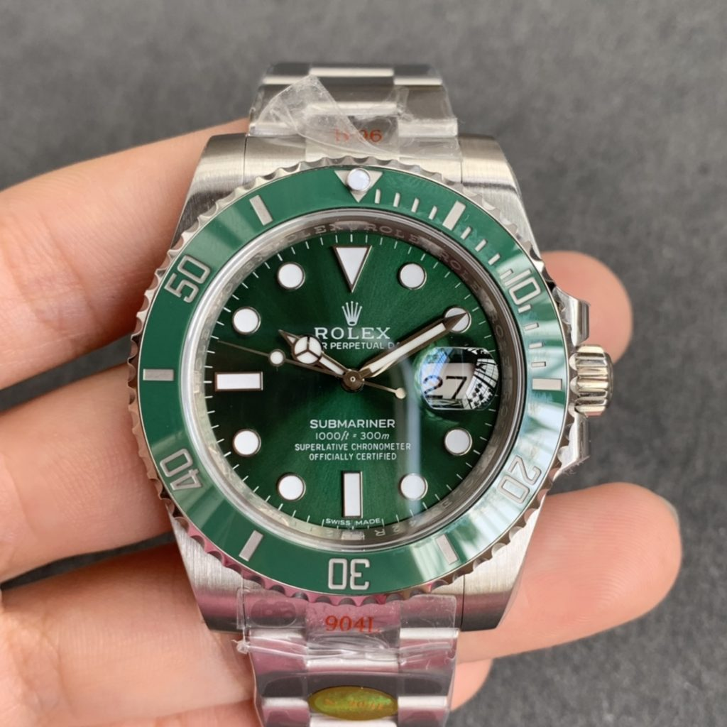 Noob V10 Rolex Green Submariner 116610LV
