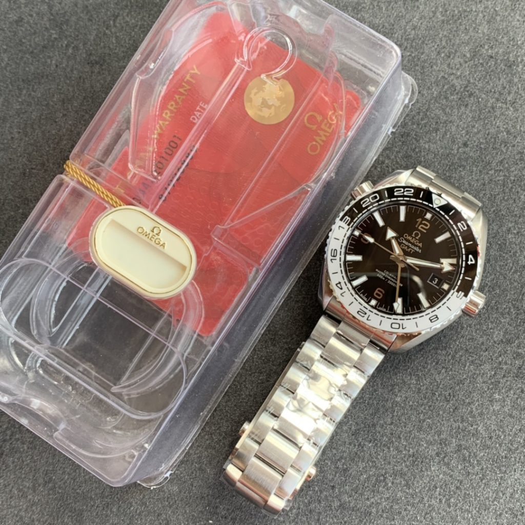 VS Factory Replica Omega Planet Ocean Tai Chi GMT Watch with Super Clone 8906