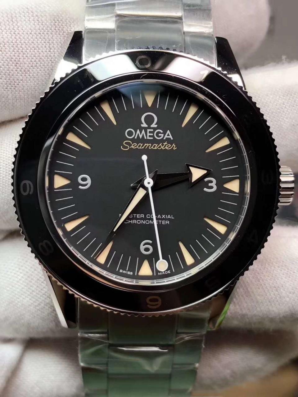 Omega Seamaster Spectre 007 Dial