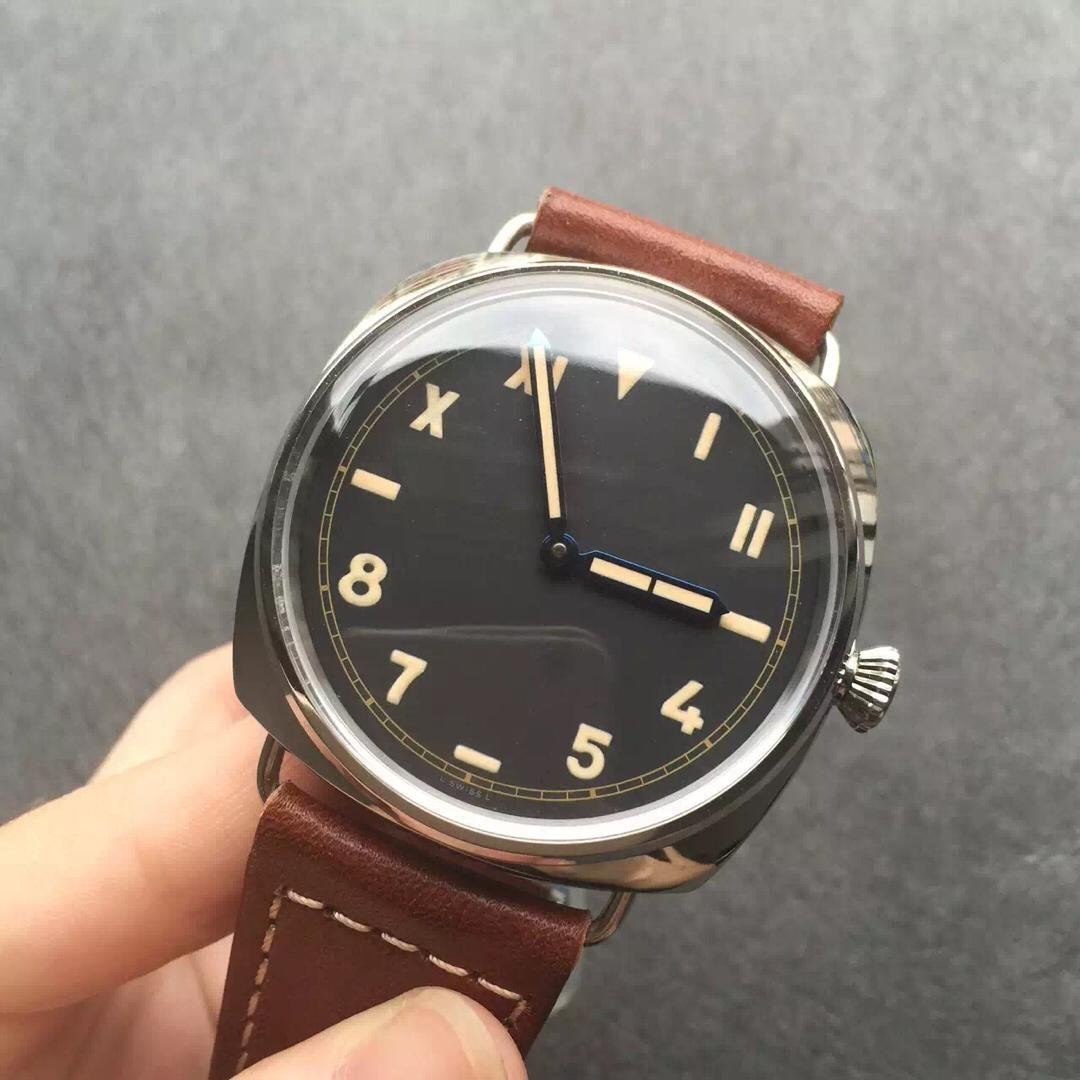 PAM 448 Dial Close View