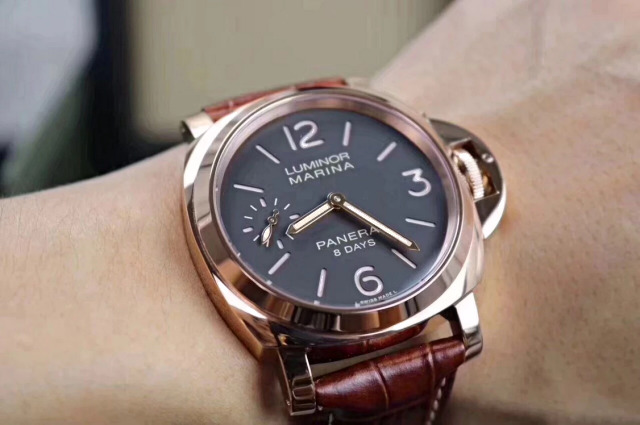 Z Factory Replica Panerai 8 Days PAM 511 Rose Gold Watch with Clone P.5000 Manual Winding Movement