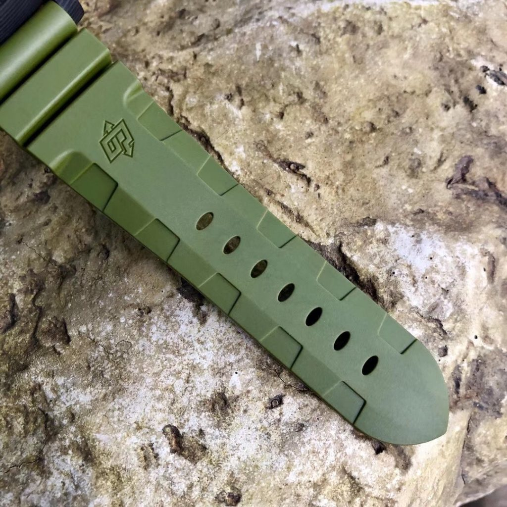 PAM 961 Green Rubber Strap