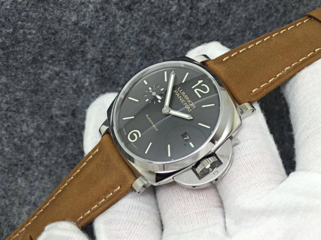 Panerai PAM 904 Crown