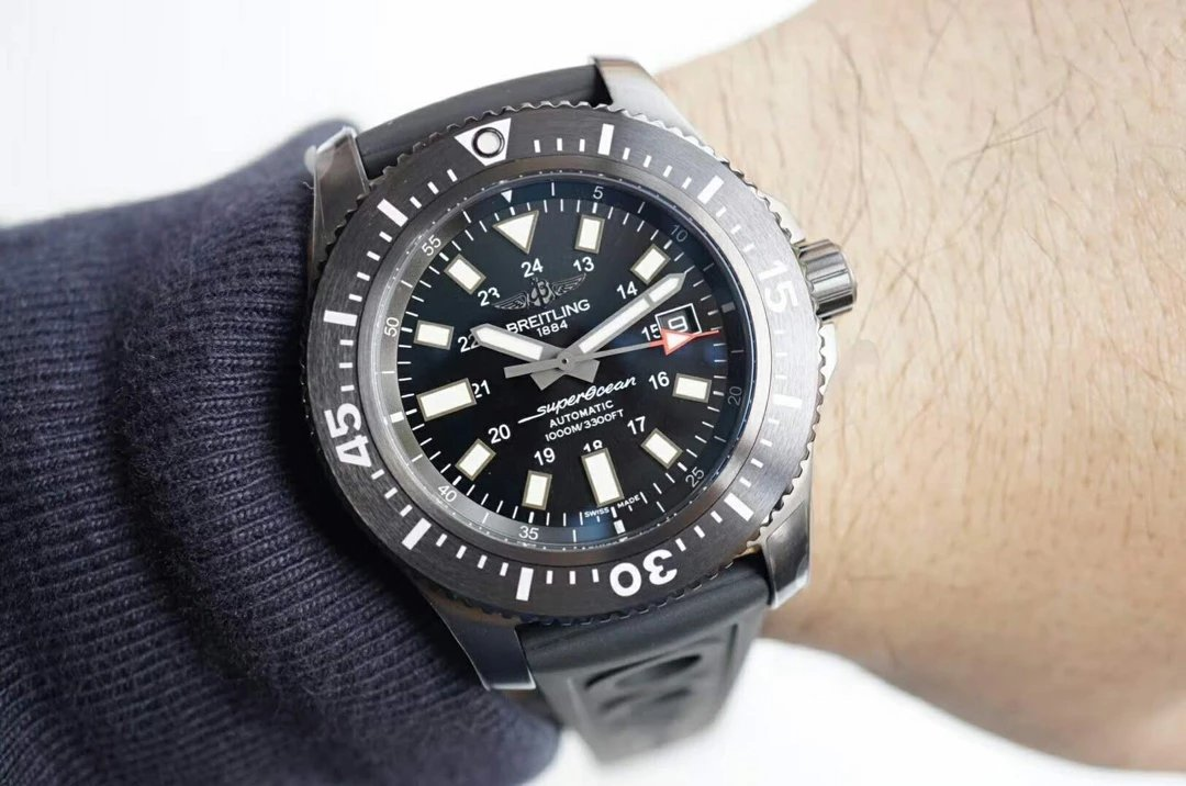 G Factory Replica Breitling Superocean 44mm BlackSteel – Black Shark In Deep Ocean