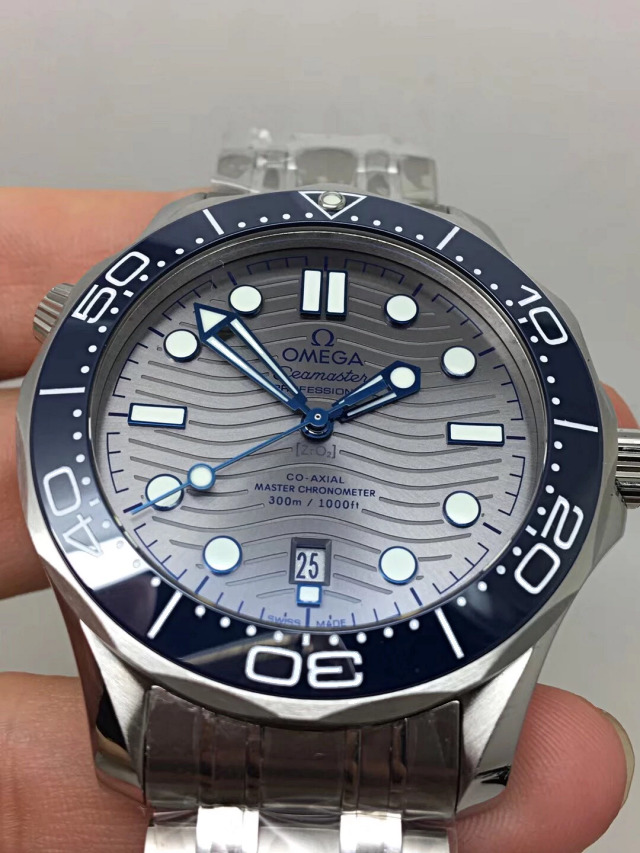 Replica Omega Seamaster Blue Hands