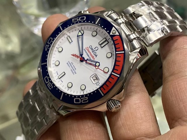 Replica Omega Seamaster Commander Red Blue