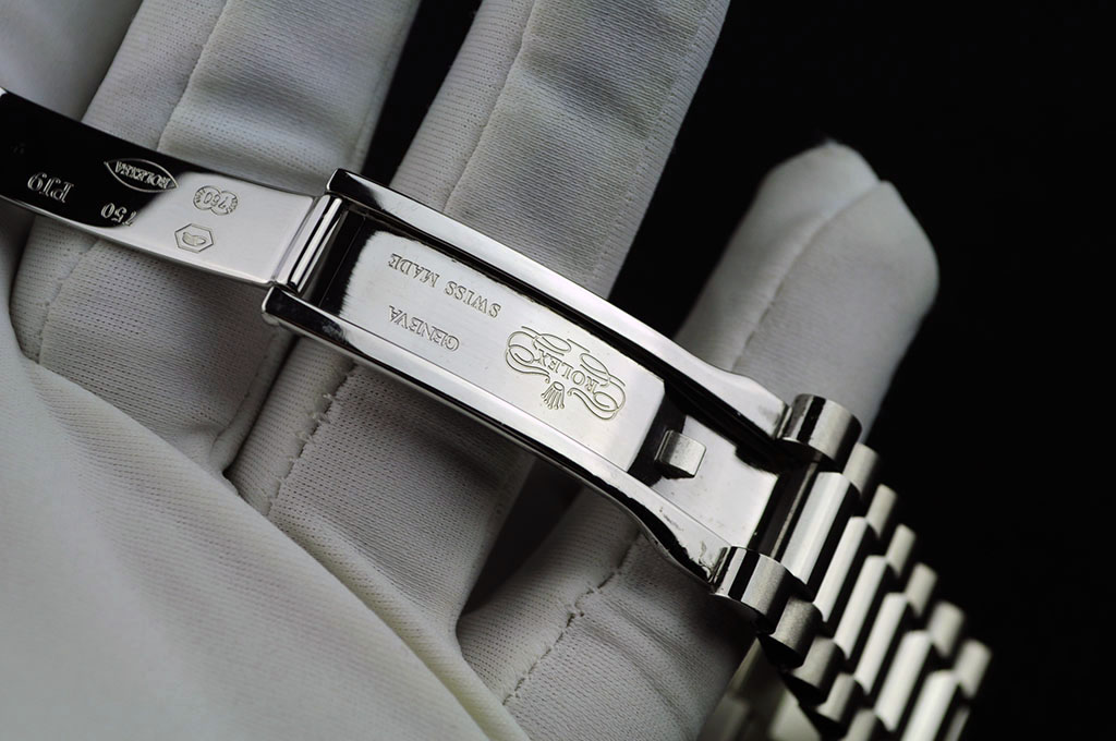 Rolex Clasp Engraving on Bracelet