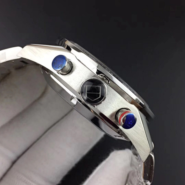 Tag Heuer Carrera Crown and Chronograph Buttons