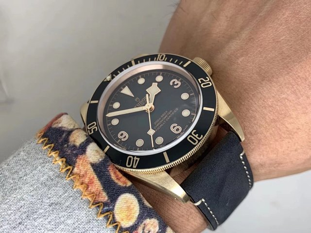 V6 Factory Replica Tudor Black Bay Bronzo Grey with Clone MT5612
